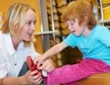 Як правильно підібрати ортопедичне взуття дитині?