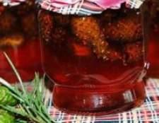 Настоянки соснових шишок на горілці