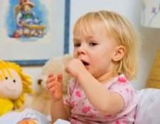 У дитини сухий кашель і температура: причини і лікування