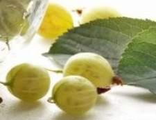 """Варення з зеленого агрусу з вишневим листям """"смарагдове"""""""