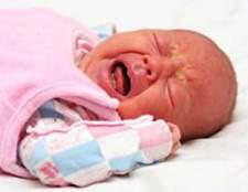 Запор у новонародженого немовляти, що робити?